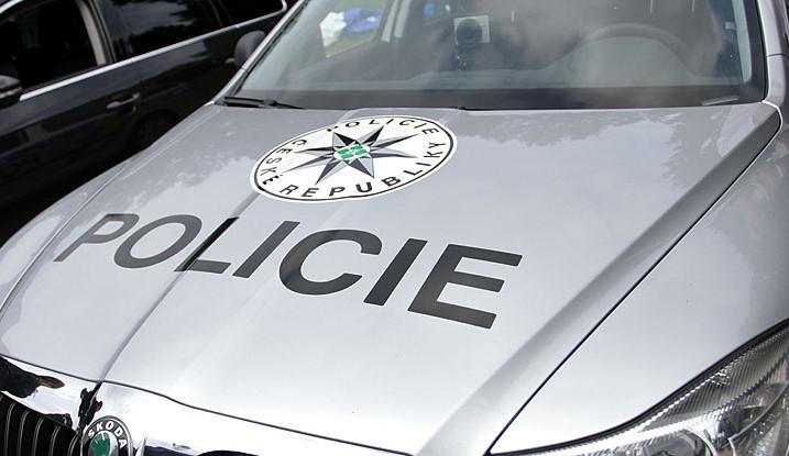 Zdrogovaný řidič ujížděl v Prostějově před policií a havaroval