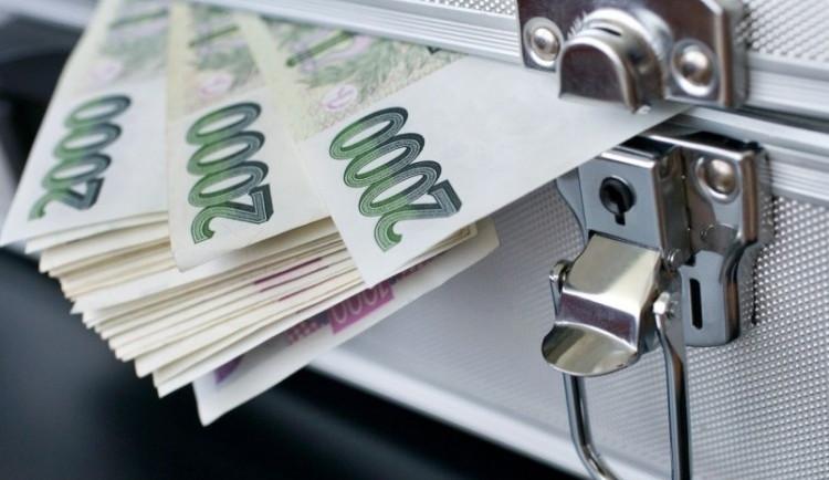 Seniorku stálo 7 minut masáže 89 tisíc korun