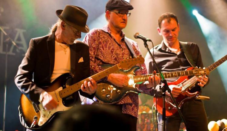 The Magic of Santana přenese diváky na koncert slavného Carlose Santany