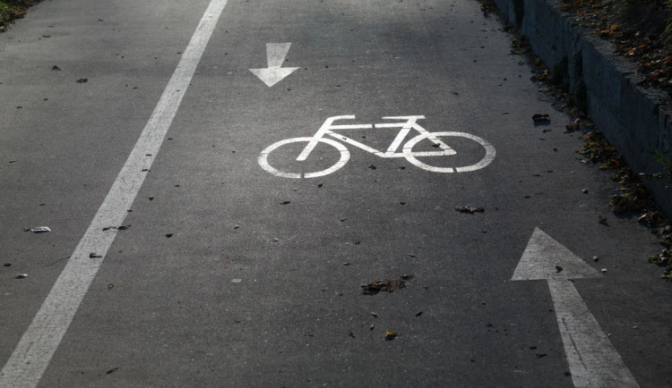 Cyklostezka se konečně dočká dokončení pod mostem ve Velkomoravské ulici