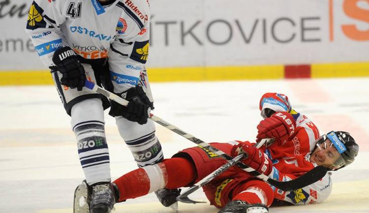 Hokejisté zažili nepovedený zápas, Mora prohrála sVítkovicemi 4:0