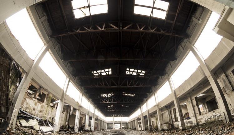FOTOREPORTÁŽ: Pohled na zničený vojenský areál u Velkomoravské nám vyrazil dech