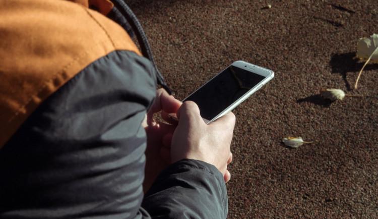V průběhu víkendu přišli o svůj iPhone 6S hned dva návštěvníci olomouckých barů