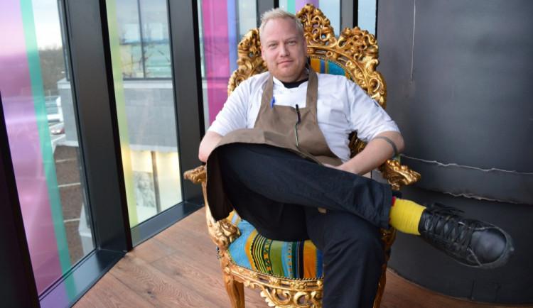 ROZHOVOR:  Mám zážitek i ze super guláše, říká nový šéfkuchař Atmosphere Tomáš Levý