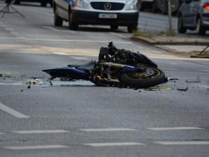 Stav silnice stojí za každou sedmou nehodou motocyklisty