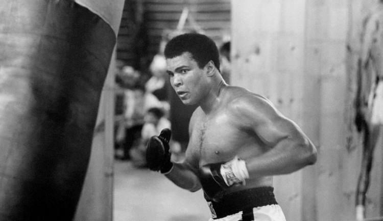 KOMENTÁŘ: V Muhammadu Alim odešel největší boxer historie, ale i kontroverzní osobnost
