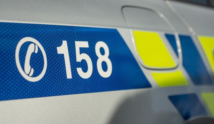 Zloděj vykradl v Olomouci dvě garáže, přišel si skoro na 90 tisíc