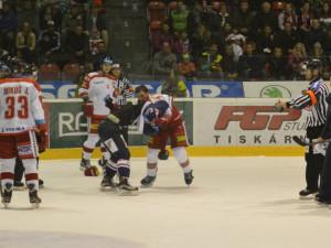 Olomouc prohrála s Vítkovicemi 2:4, rozhodly neproměněné šance a pětiminutové vyloučení