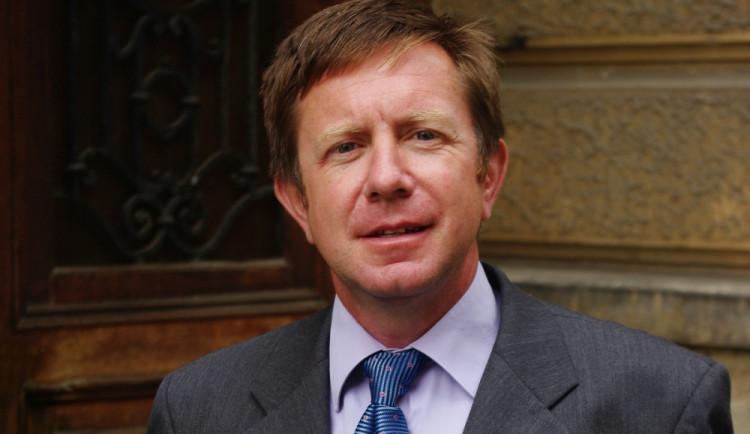 Jiří Brady přijal nabídku olomouckého rektora Millera. Vyznamenání z jeho rukou převezme v pátek