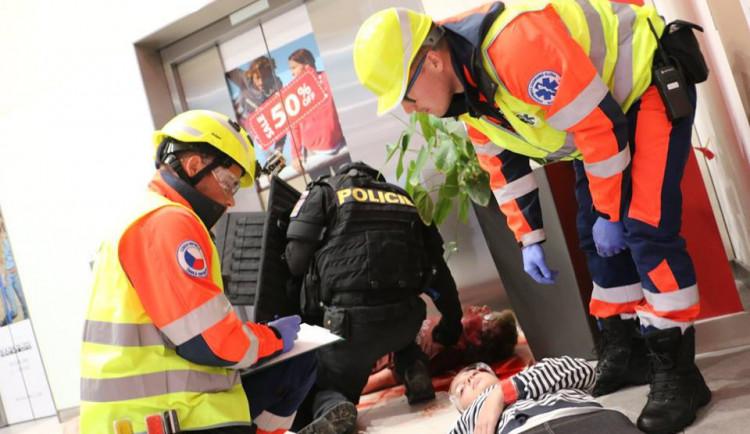 REPORT: Co by se dělo, kdyby naši redaktorku dnes v Šantovce opravdu postřelili teroristé?