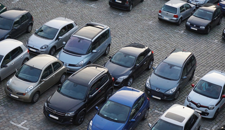 Nový informační systém by měl zjednodušit dopravu a parkování v centru Přerova