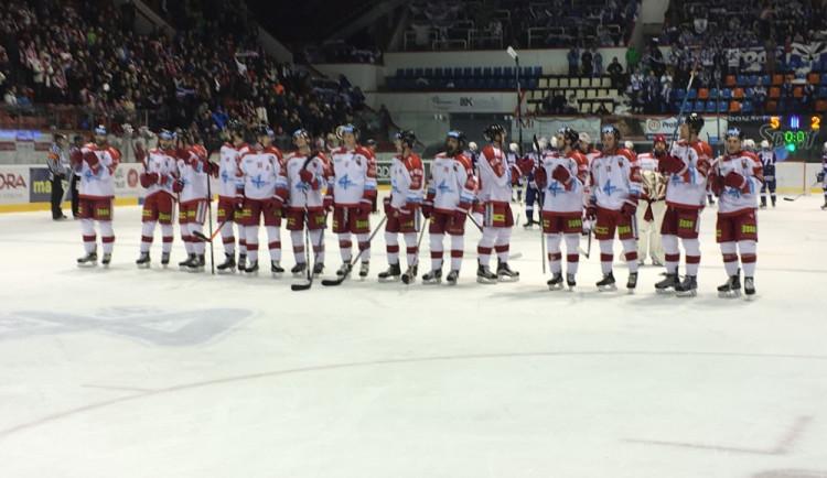 Hokejisté Olomouce vyhráli nad Karlovými Vary v prodloužení, boj o umístění v tabulce trvá