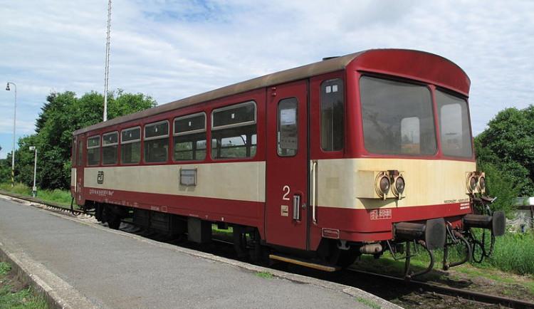 Osobní vlak srazil na přejezdu v Olomouci člověka. Nelze vyloučit, že šlo o sebevraha