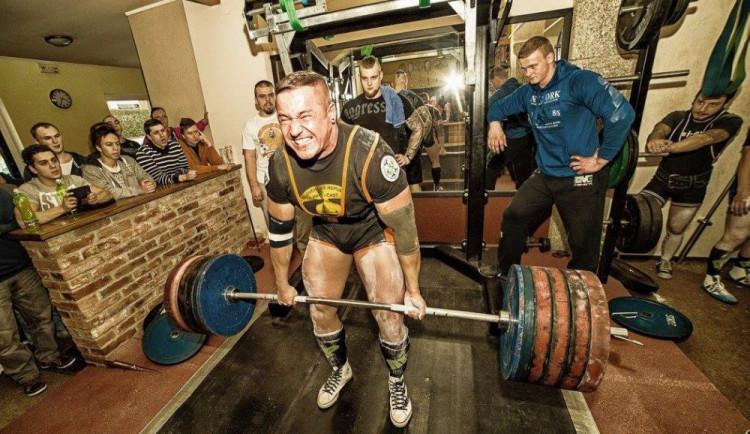 ROZHOVOR: Pracování na sobě a cvičení je můj životní styl, říká silový trojbojař Petr Folprecht
