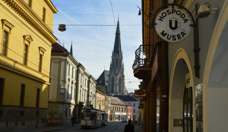 Oprava ulice 1. máje v centru Olomouce začne v dubnu. Tady jsou změny v hromadné dopravě