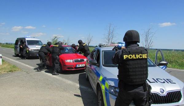 Čeští a polští policisté společně nacvičovali přeshraniční pronásledování