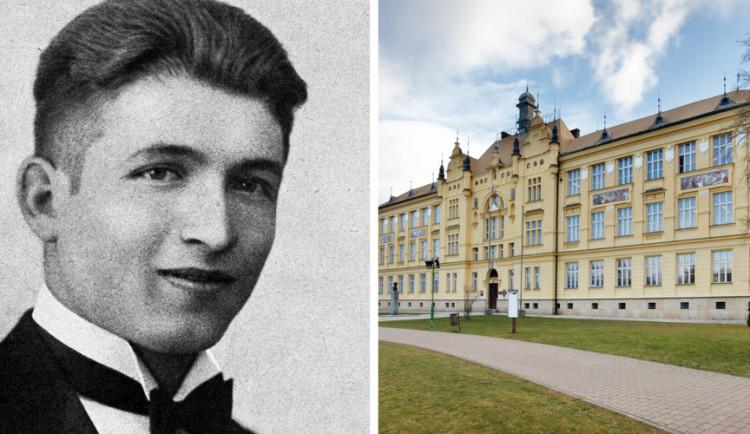 PO STOPÁCH... Jana Opletala. Studenta, který byl zastřelen na demonstraci proti německé okupaci
