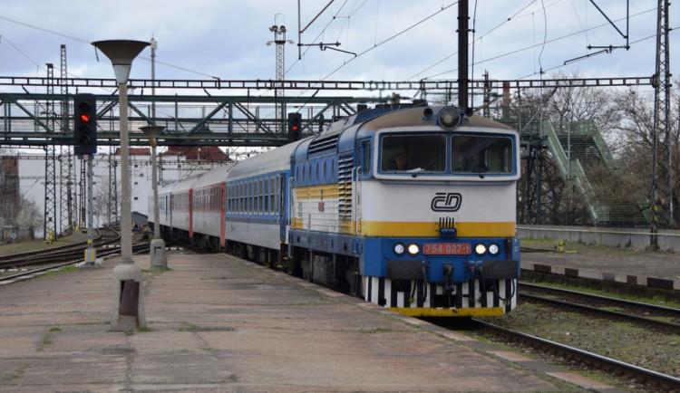 Olomoucký soud dnes otevře kauzu dítěte, které zemřelo při pádu z vlaku