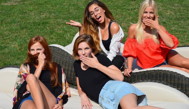 Slavnostní finálový večer České Miss se blíží! Podívejte se na první čtyři půvabné finalistky