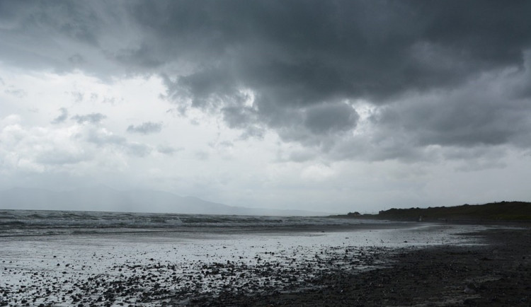 POČASÍ NA ÚTERÝ: Oblohu zakryjí mraky, pršet by mělo jen ojediněle