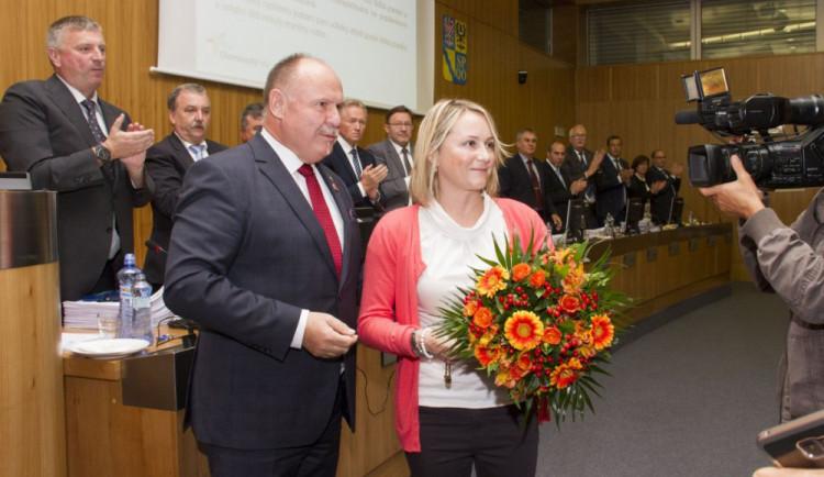 Hejtman vyznamenal Darinu Nešporovou, učitelku školky, která zachránila život čtyřem dětem