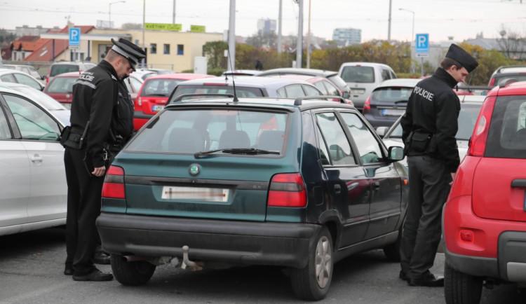 Policisté se o dušičkách zaměřili na řidiče, udělili pokuty za šedesát tisíc korun