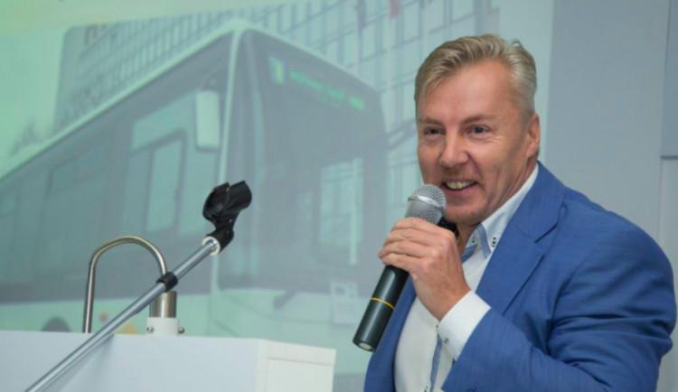 Radní odvolali ředitele koordinátora krajské dopravy. Důvodem je velké množství stížností od cestujících