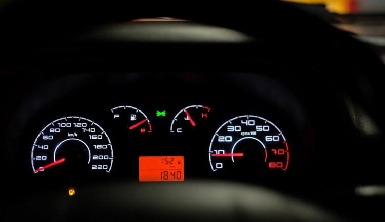 Šestadvacetiletá řidička usedla za volant pod vlivem drog a se zákazem řízení