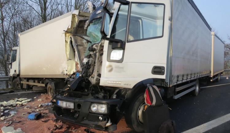 Provoz na D35 ve směru od Mohelnice na Olomouc je po nehodě dvou kamionů obnoven