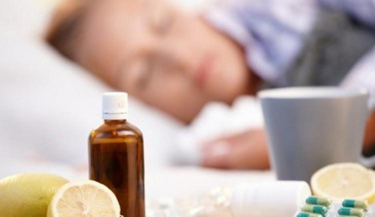 Chřipce podlehlo v Česku už třiatřicet lidí. Jen pět procent Čechů se nechává očkovat