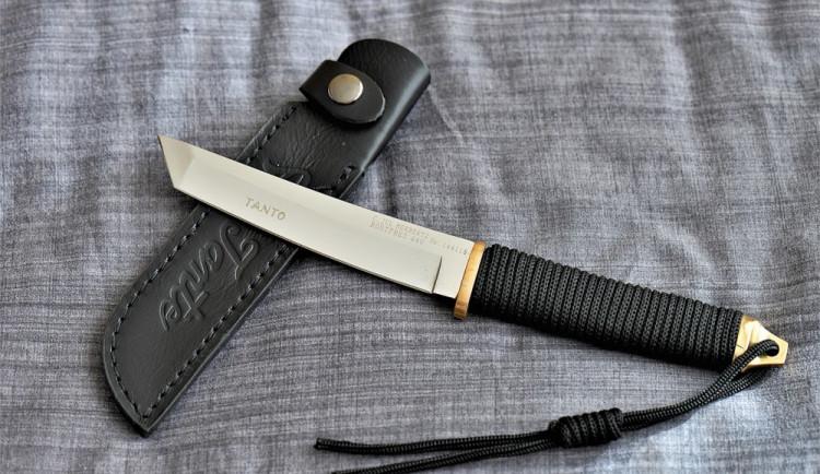 Opilý muž s nožem v ruce vyhrožoval v Olomouci svojí matce zabitím, je zraněná
