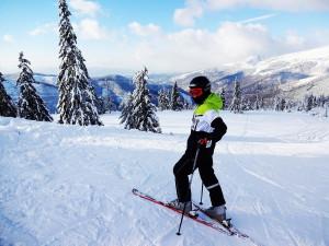 I přes oteplení je vJeseníkách stále sníh, lyžovat se bude nejméně do Velikonoc