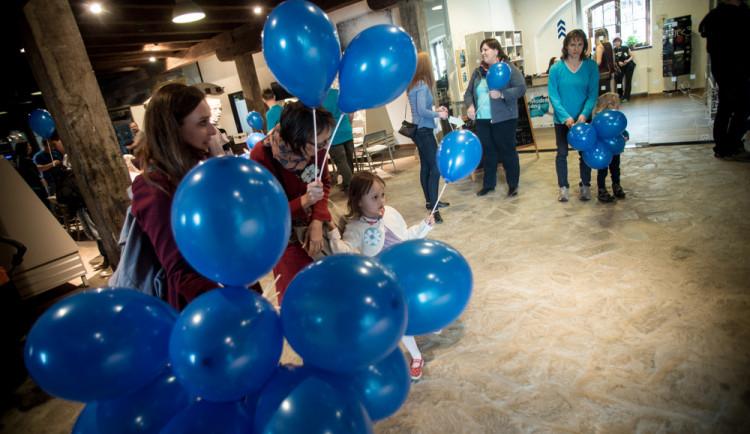 Pevnost poznání zve tuto sobotu na Modré dny, připomínají Světový den informovanosti o autismu