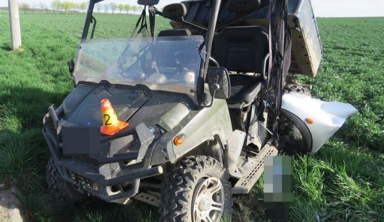 Řidič čtyřkolky je po střetu s autem zraněný