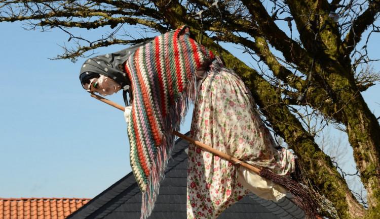 Za nedodržení bezpečnosti při pálení čarodějnic hrozí pokuta až dvacet tisíc