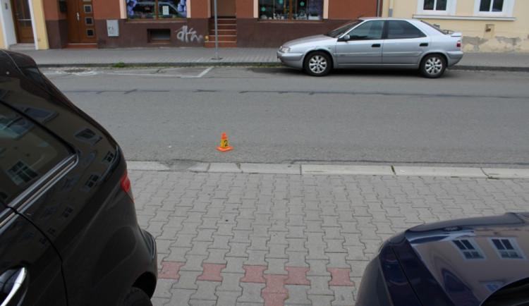 Řidič srazil cyklistu a ujel, policie teď pátrá po svědcích nehody