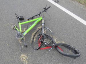FOTO: Stav druhého cyklisty, kterého srazila dodávka u Hrdibořic, zůstává vážný