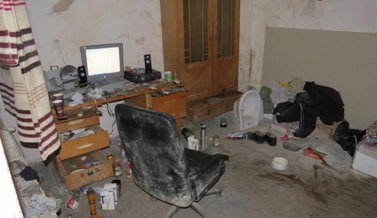 Podvodník vybral od lidí na internetu 700 tisíc, hrozí mu osm let vězení