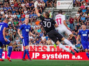 FOTOGALERIE: Celý stadion jim tleskal vestoje. Sigma ukázala, že vyhrát proti Seville není nemožné