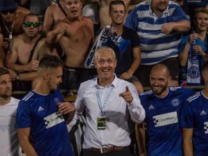 Obrovský respekt vůči výkonu hráčů a diváků, chválil trenér Jílek po zápasu se Sevillou