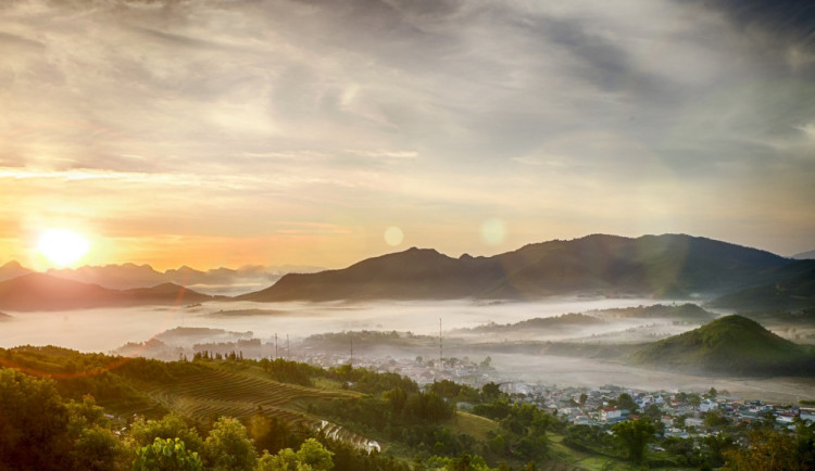 POČASÍ NA PÁTEK: Ranní mlhy vystřídá jasná obloha