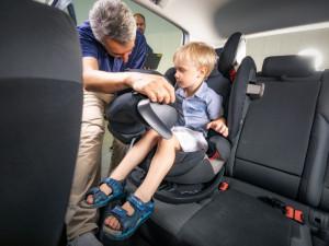 Dvě z dvanácti dětských autosedaček v testu propadly kvůli obsahu škodlivin