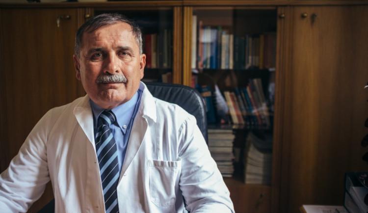 ROZHOVOR: Studie dávají naději neplodným párům a umožňují IVF léčbu zadarmo, říká Aleš Sobek