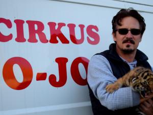 Zákaz zvířat v cirkusu je postavený na hlavu, říká Patrik Joo z cirkusu Jo-Joo, který přijel do Olomouce