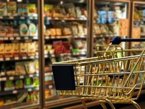 Během sobotní potravinové sbírky se vybralo 321 tun zboží. Je to o něco méně než loni