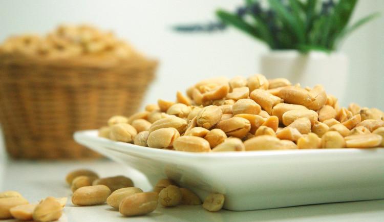 Velký test arašídů ukázal, že plísní v nich se lidé nemusí bát