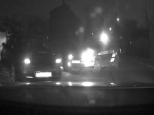 VIDEO: Zfetovaný řidič ujížděl policii olomouckými ulicemi. U jeho spolujezdkyně poté našli plnou injekční stříkačku