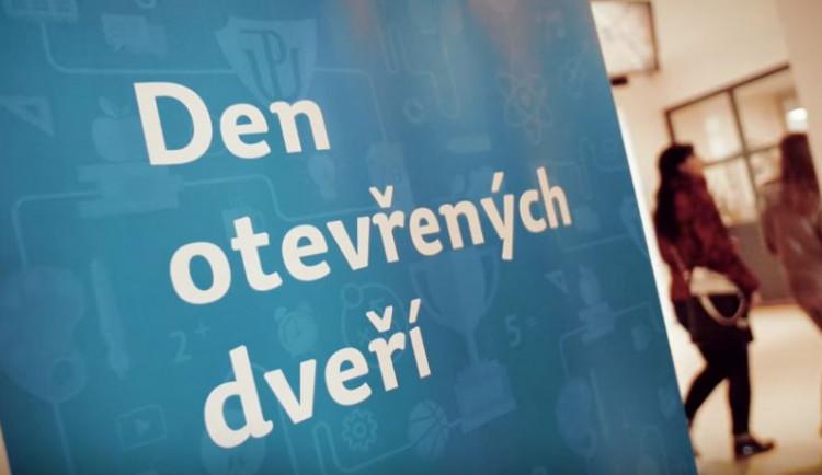 Den otevřených dveří Univerzity Palackého proběhne 7. prosince. Zájemcům o studium pomůže aplikace