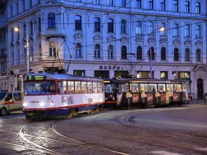 PŘEHLED: Tramvaje i autobusy pojedou mezi svátky jinak. Podívejte se na omezení v jízdních řádech