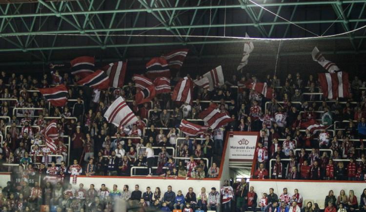HC Olomouc musí zaplatit pokutu za chování fanoušků v Pardubicích. Vyprovokovali tam bitku v kotli domácích